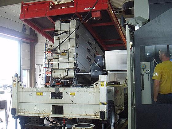 Fahrbühne auf Fräsmaschine